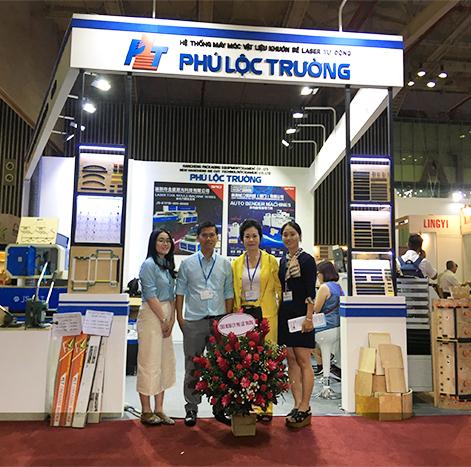 Đối tác tham quan công ty Phú Lộc Trường
